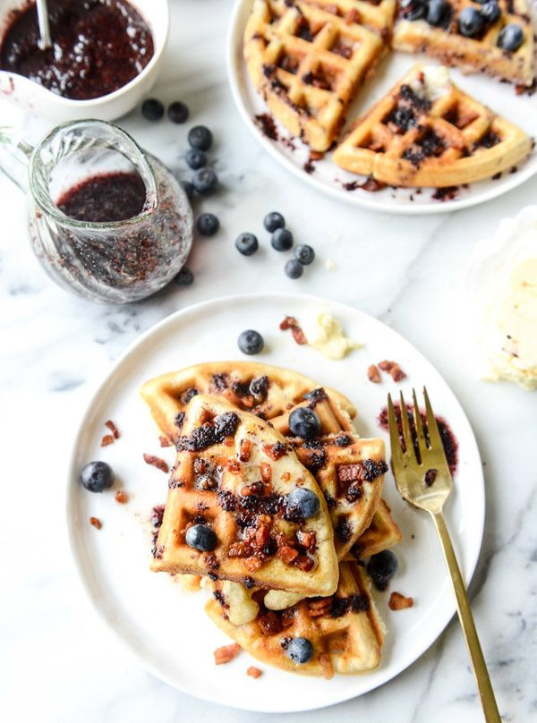 "<strong>Get the <a href=""http://www.howsweeteats.com/2015/07/crispy-bacon-waffles-with-bourbon-butter-and-blueberry-syrup/"" t"