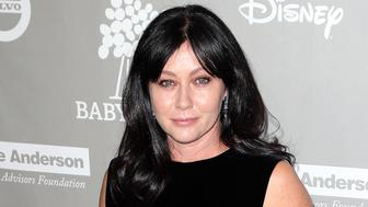 CULVER CITY, CA - NOVEMBER 14:  Actress Shannen Doherty attends the 2015 Baby2Baby Gala presented by MarulaOil & Kayne Capital Advisors Foundation honoring Kerry Washington at 3LABS on November 14, 2015 in Culver City, California.  (Photo by David Livingston/Getty Images)