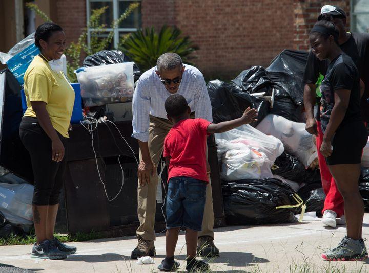 Obama toured flood-affected areas in Baton Rouge,Louisiana.
