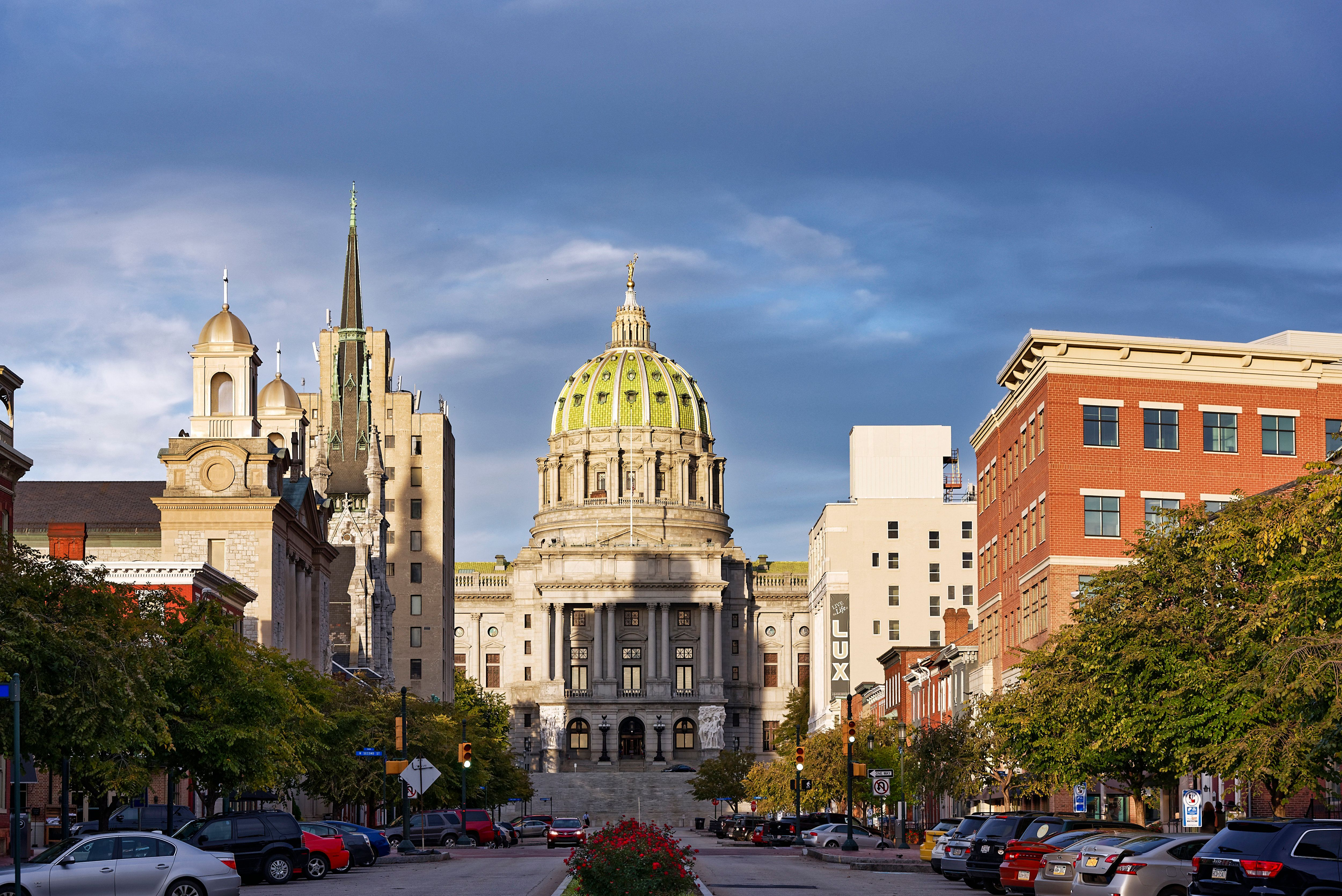 HARRISBURG, PENNSYLVANIA, UNITED STATES - 2015/10/06: Pennsylvania State capitol building. (Photo by John Greim/LightRocket via Getty Images)