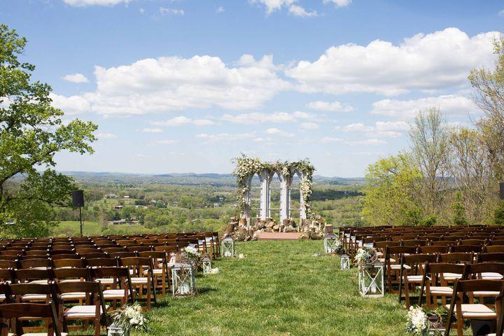 Shawn Johnson Wedding.Olympian Shawn Johnson S Rustic Chic Wedding Deserves A Gold Medal