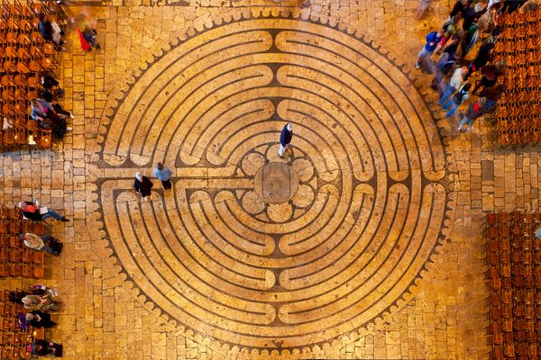 "France's Chartres Cathedral contains one of the world's <a href=""http://www.ed.ac.uk/labyrinth/historical/origins"" targe"