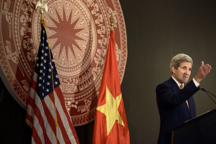 U.S. Secretary of State John Kerry delivers a speech on the 20 year anniversary of the reestablishment of U.S.-Vietnam diplomatic relations in Hanoi on Aug.7, 2015.