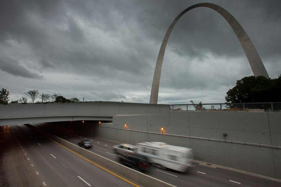 A side view of the overpass park that lets pedestrians walk from the Gateway Arch to the rest of downtown St. Louis
