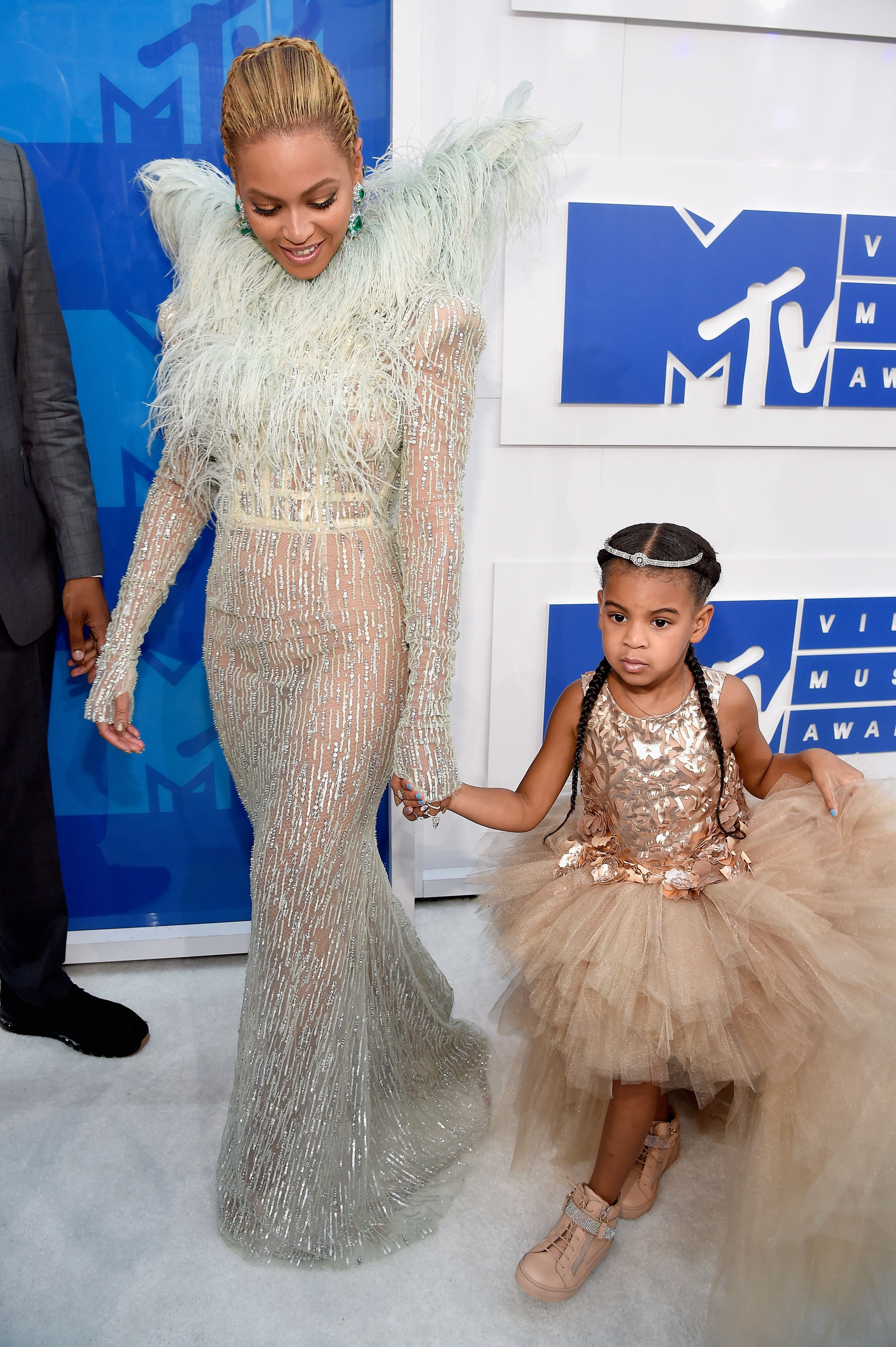 Beyoncé And Blue Ivy Are Matching Angels At The