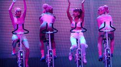 Ariana Grande Pulls Off Impressive Bike Choreo In VMAs