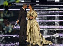 Drake Professes 'Love' For Rihanna In VMAs Speech