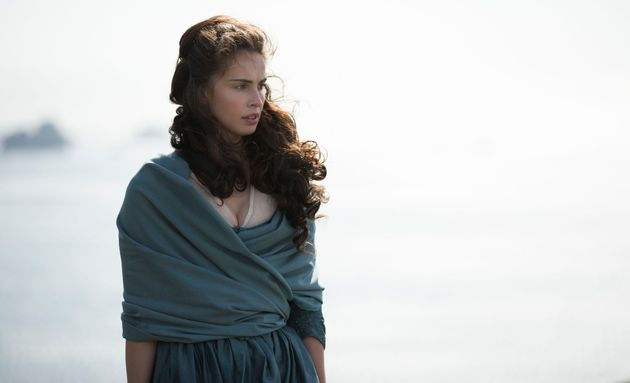 Heida Reed returns as Ross's lost love