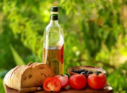 Mediterranean Diet More Effective Than Statins For Heart Disease Patients, Research Suggests