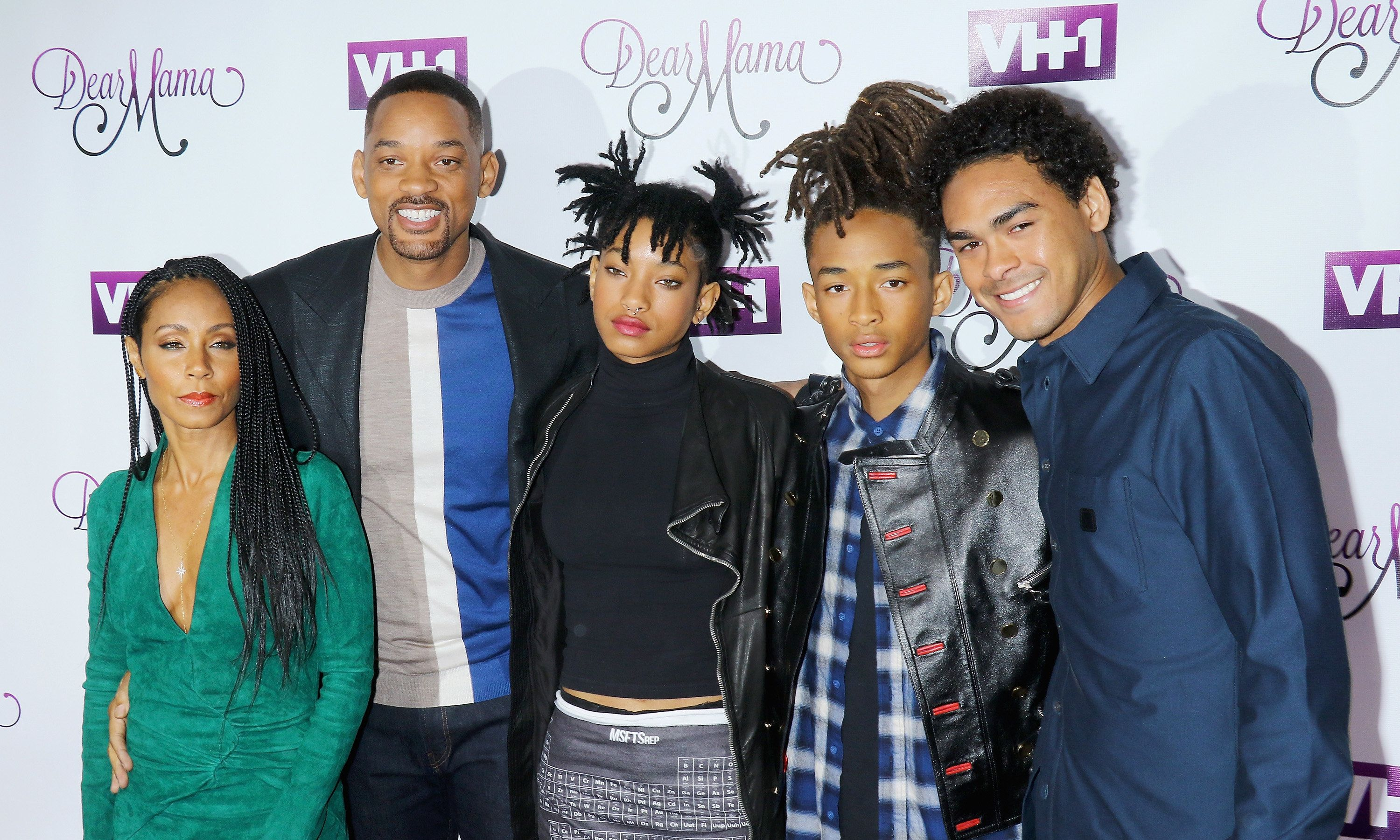 NEW YORK, NY - MAY 03: (L-R) Actors Jada Pinkett Smith, Will Smith, singer/model Willow Smith, actors Jaden Smith and Trey Smith attend the VH1's 'Dear Mama' taping at St. Bartholomew's Church on May 2, 2016 in New York City.  (Photo by Jim Spellman/WireImage)