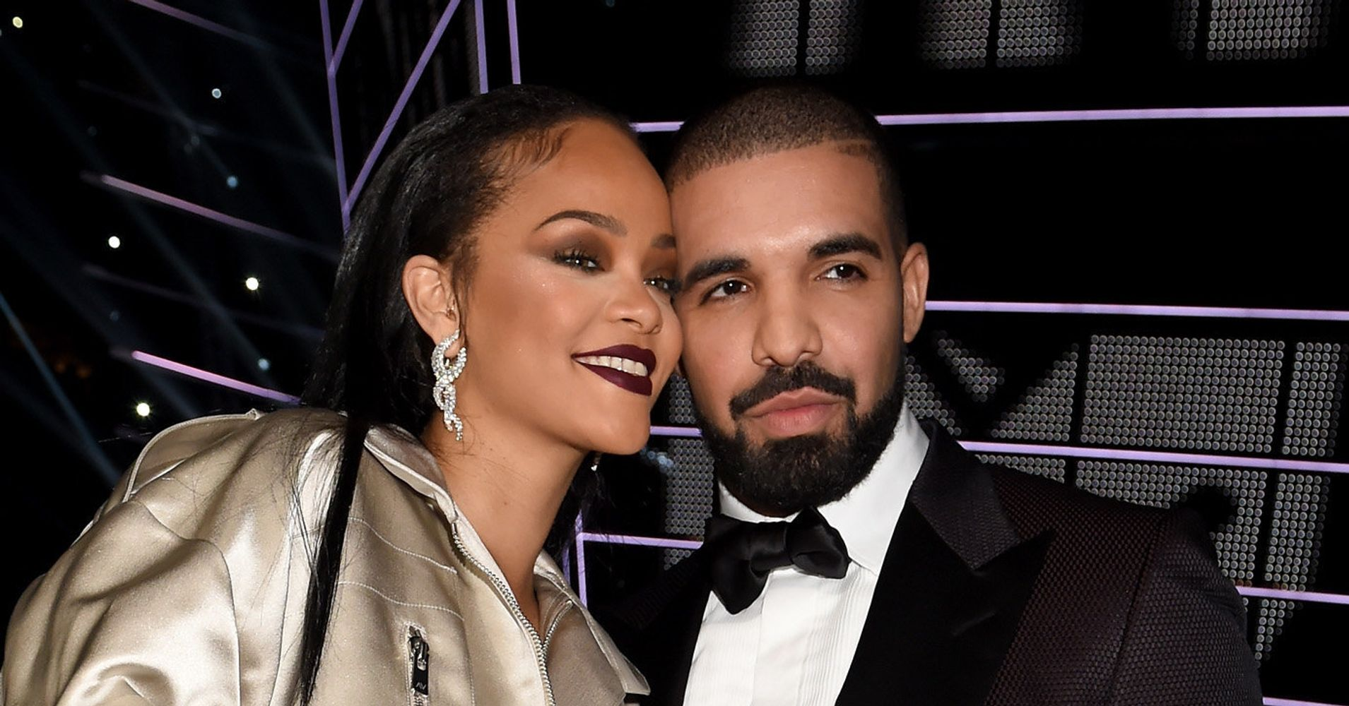 drake and rihanna dating officially