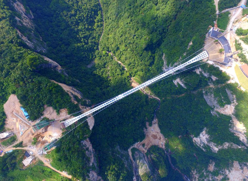 China's Record-Breaking Glass Bridge Is So Popular, It Had To