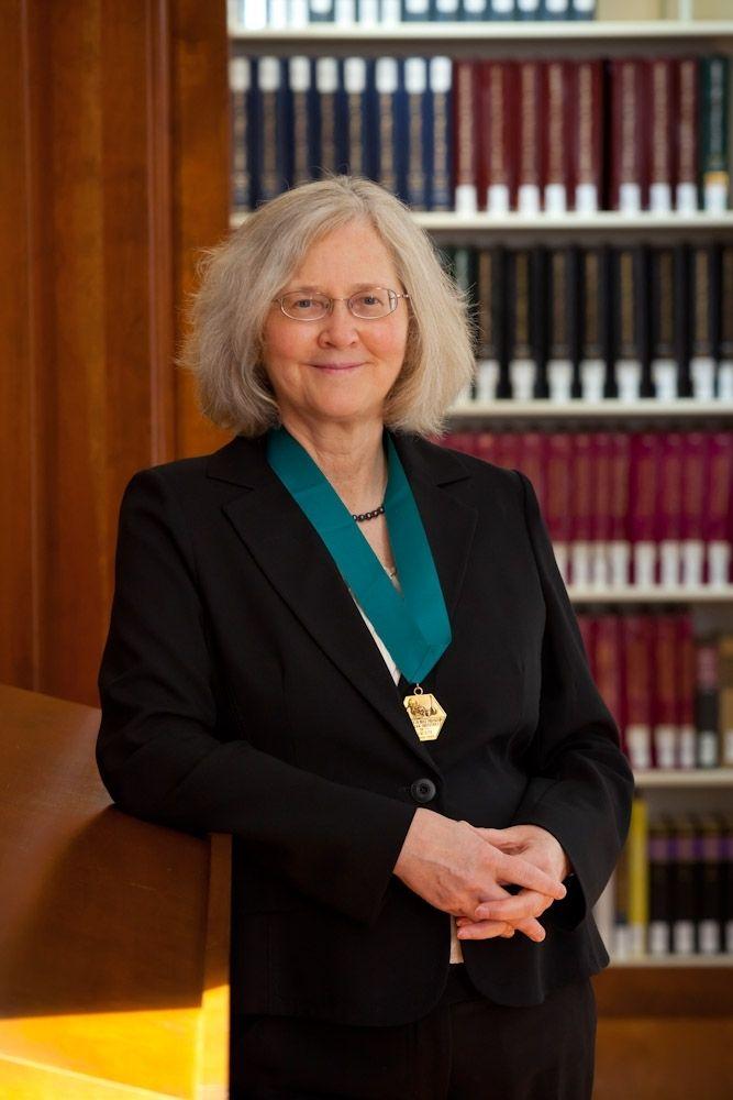 """<a href=""""https://www.nobelprize.org/nobel_prizes/medicine/laureates/2009/blackburn-facts.html"""" target=""""_blank"""">Nobel Laureate"""