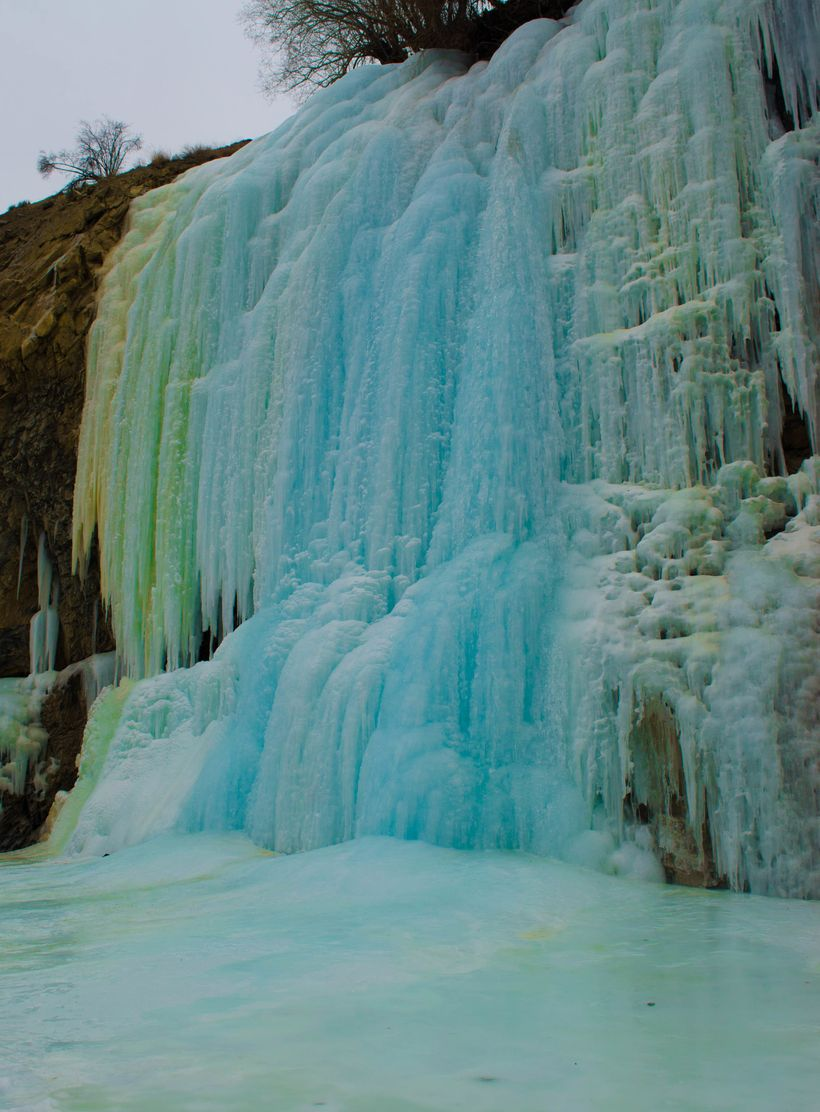 The frozen waterfall at Chadar.