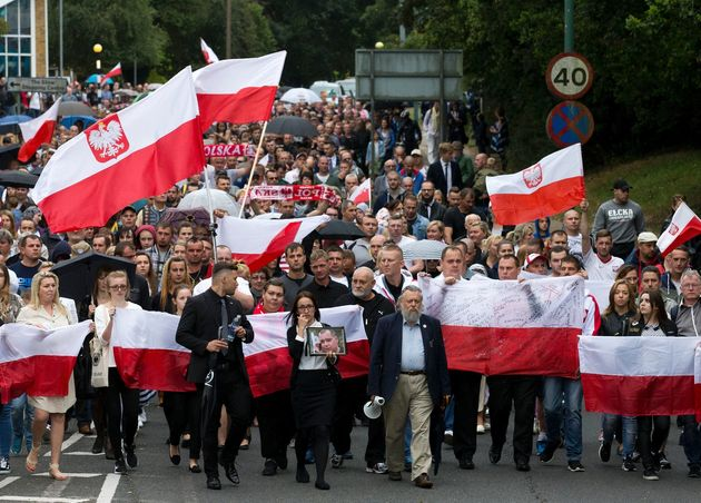 Hundreds of Poles marched in Harlow hours before two Polish men were