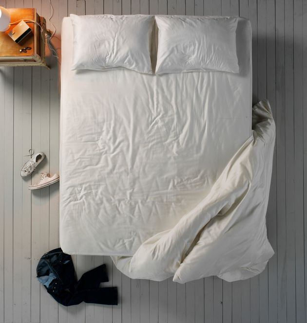This Is What Happens If You Don't Change Your Bed Sheets | HuffPost
