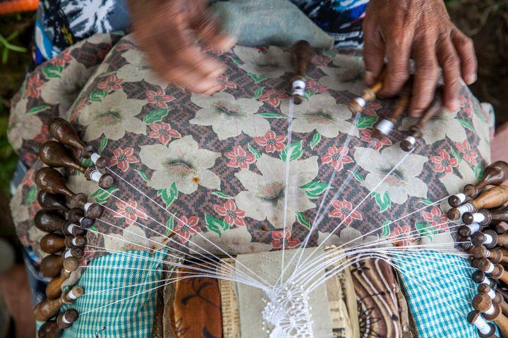 Sri Lankan handcrafts make beautiful memories of your travels.