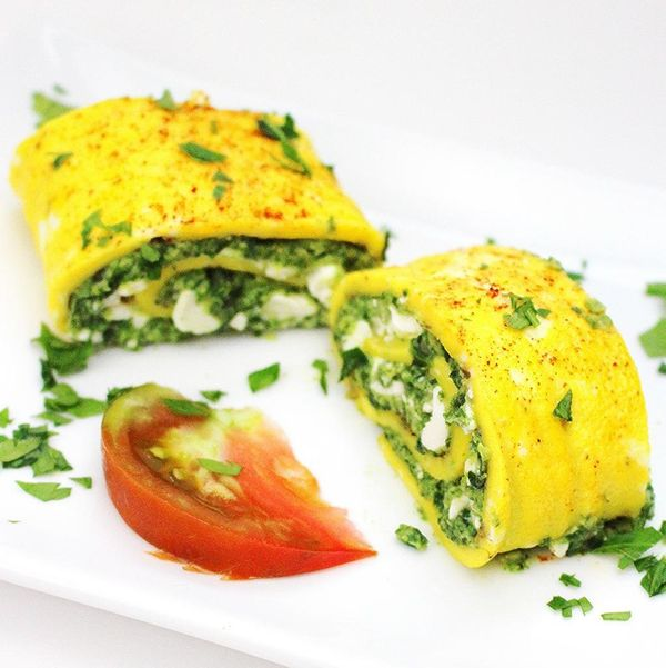 "<strong>Get the <a href=""http://palatablepastime.com/2014/10/15/greek-omelette-roll-with-spinach/"" target=""_blank"">Greek Omel"