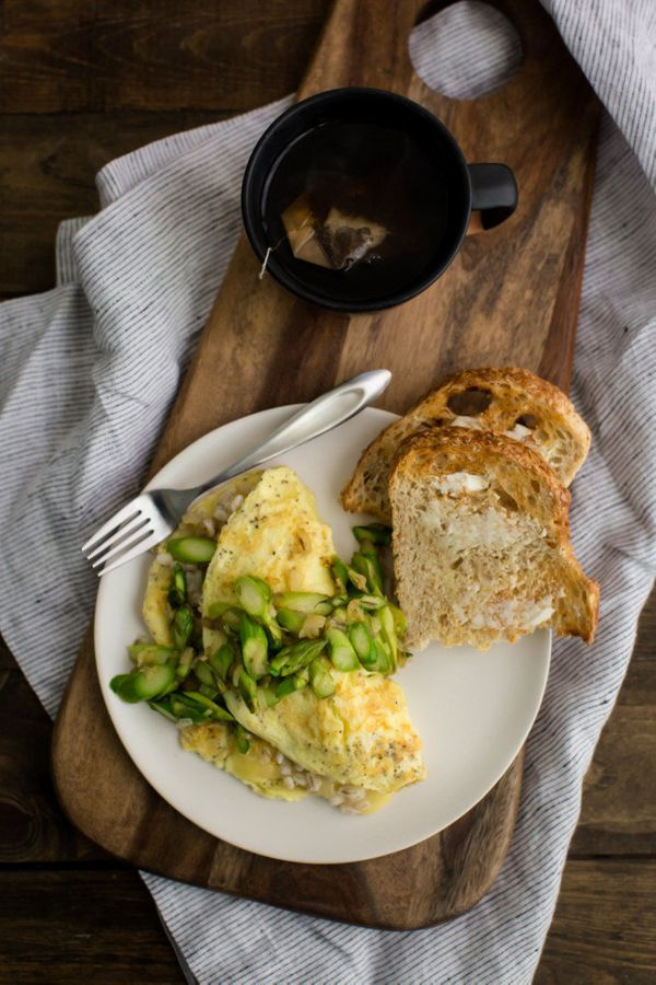 "<strong>Get the <a href=""http://naturallyella.com/barley-and-asparagus-omelette/"" target=""_blank"">Asparagus Omelet with Barle"
