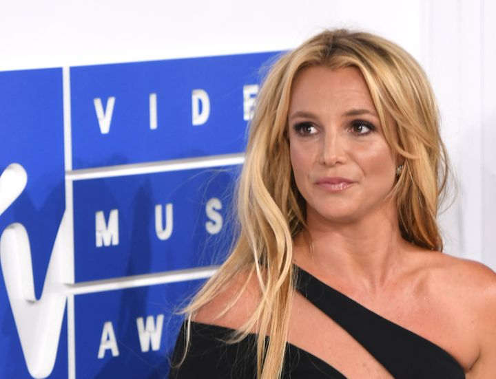 Britney Spears arrives at the2016 MTV Video Music Awards.