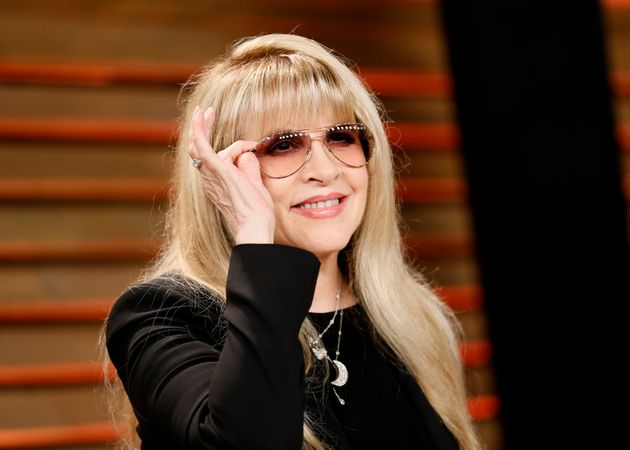 Predicting 'landslide,' Stevie Nicks backs Clinton