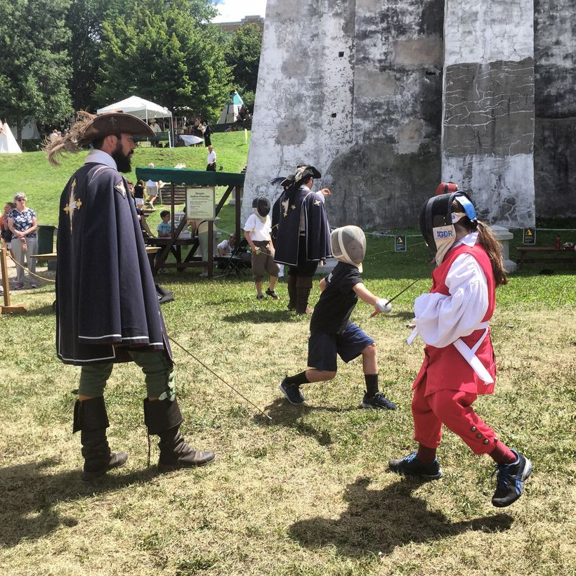 Kids can practice fencing, stand guard with troops, or learn about the history that created New France.