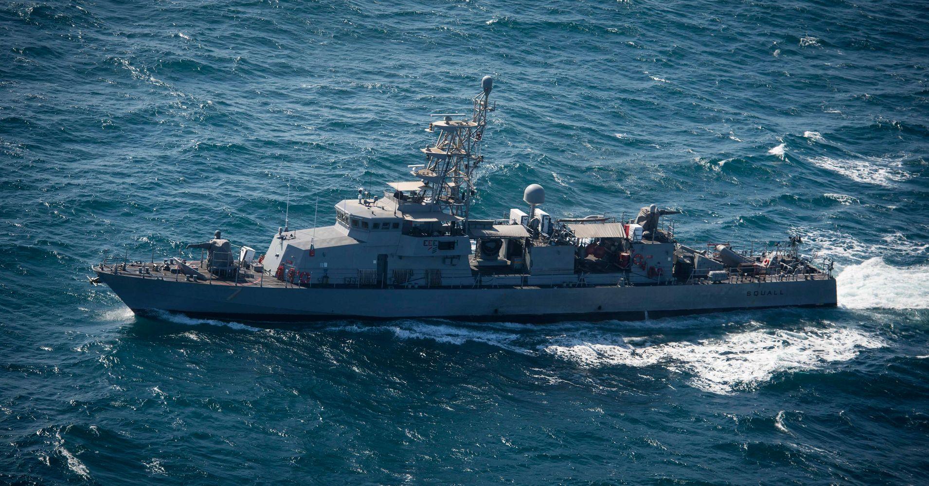 7 Iranian Vessels Harass Navy Ship In Gulf U S Officials