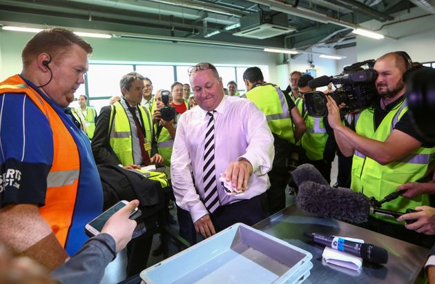 Mike Ashley, Sports Direct Owner, Stuns Journalists By Producing Wad Of £50 Notes During Warehouse