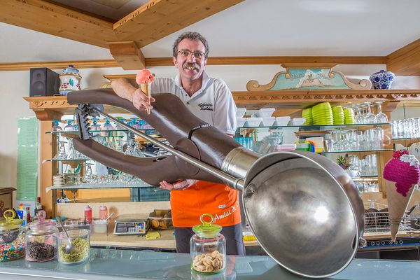The largest ice cream scoop is 6 feet, 4.7 inches long. It belongs to Dimitri Panciera ofForno di Zoldo, Italy.