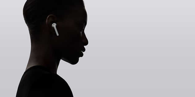 Apple Wireless AirPods To Make It Even Harder To Talk To A Woman Who's Wearing