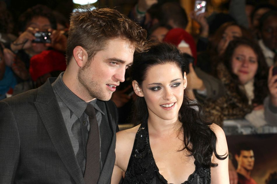 Twihards were stunned when it emerged that K-Stew (*sigh*) had slept with 'Snow White and the Huntsman' director Rupert Sanders behind R-Patz's (again, *sigh*) back.The two attempted to get their relationship back on track, but allegedly split when he learned she was still in contact with Rupert.
