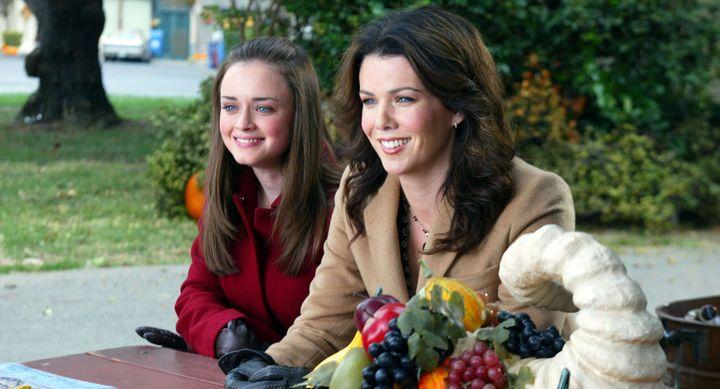 "Alexis Bledel as Rory and Lauren Graham as Lorelai in ""Gilmore Girls"" season 3."
