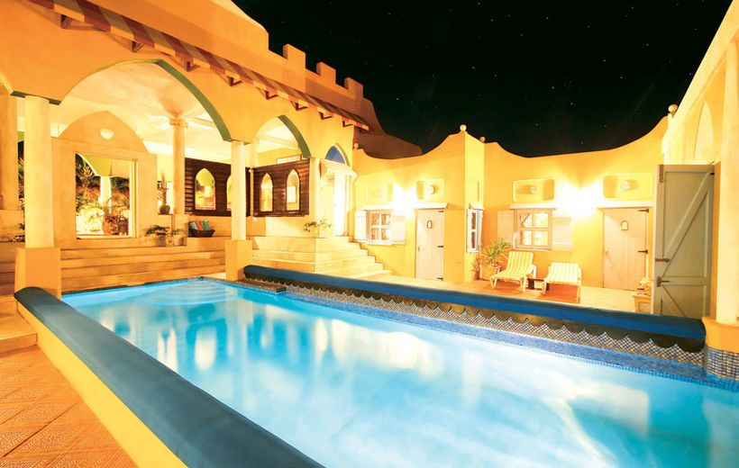 The Castleencompasses 26,500 square feet at a site located in L'Anse Aux Epines.