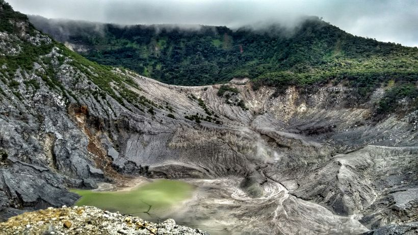 Kawah Ratu, Indonesia