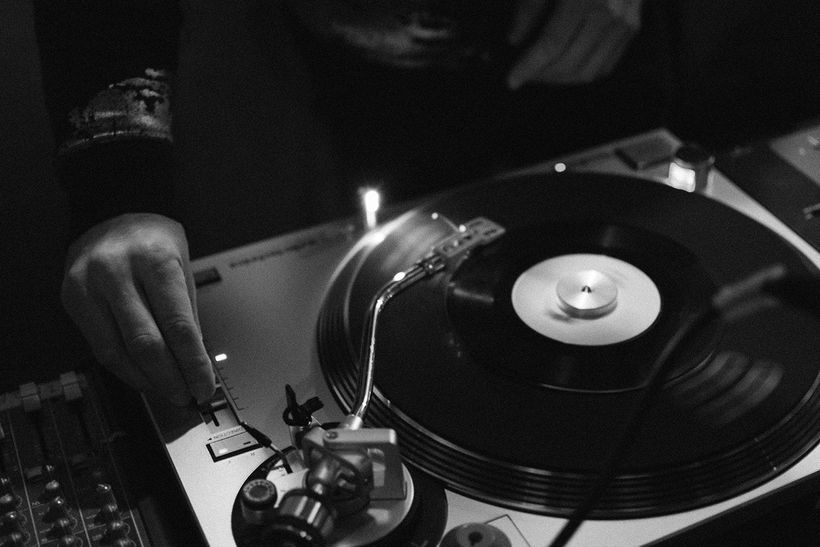 Radio Free Brooklyn will be hosting a vinyl shop in its storefront on DeKalb, Second Had Records.