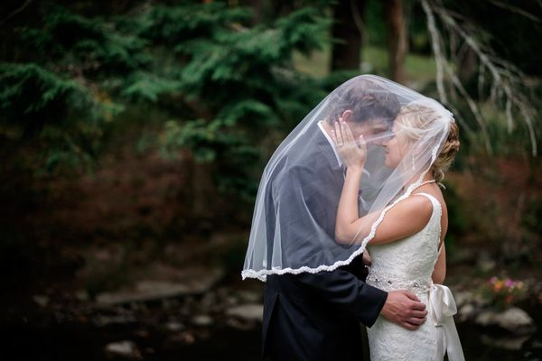 """Congrats to Lauren and Eric, who decided to tie the knot this past Saturday in Windham, Maine."" — <i>Christophe Z"