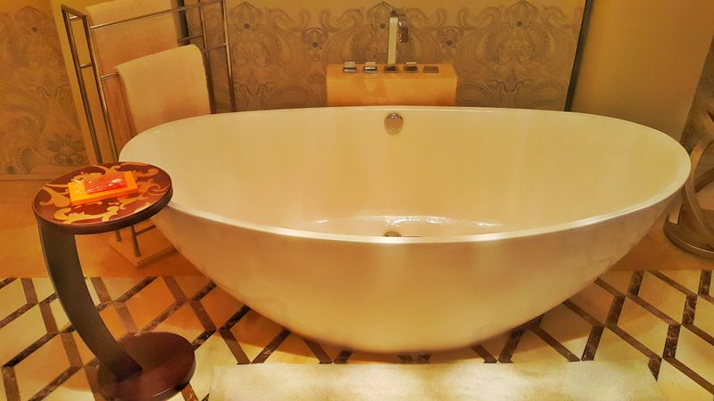 Large and inviting tub