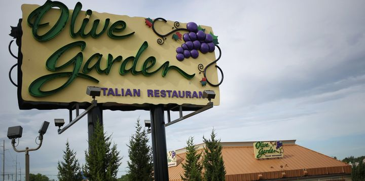 Olive Garden will be selling 21,000 Never Ending Pasta Passes this week.