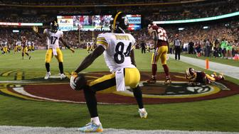 LANDOVER, MD - SEPTEMBER 12: Wide receiver Antonio Brown #84 of the Pittsburgh Steelers celebrates after scoring a third quarter touchdown against the Washington Redskins at FedExField on September 12, 2016 in Landover, Maryland. (Photo by Rob Carr/Getty Images)