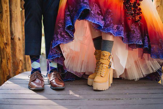 自分で染めたらこんなにきれい。花嫁が作った、世界でたった一つのウェディングドレス(画像)