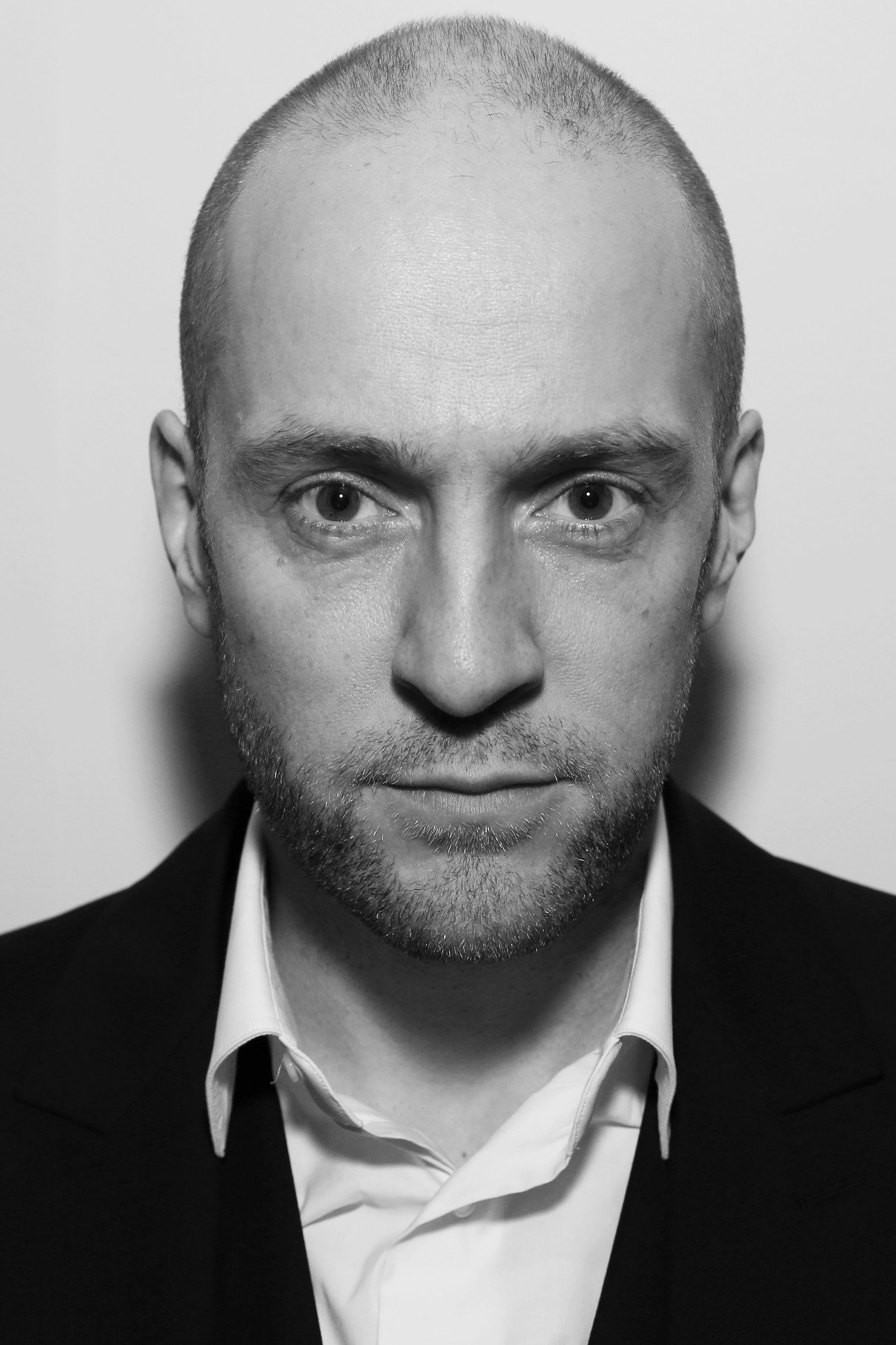 Derren Brown On Self-Help Industry: 'The Universe Doesn't Give A