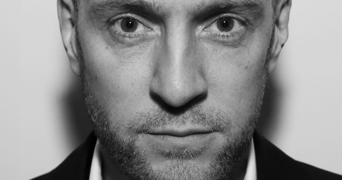 Derren Brown On Self-Help Industry: 'The Universe Doesn't Give A F**k'
