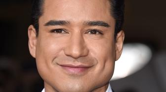 WESTWOOD, CA - FEBRUARY 01:  Mario Lopez arrives at the Premiere Of Universal Pictures' 'Hail, Caesar!'  at Regency Village Theatre on February 1, 2016 in Westwood, California.  (Photo by Steve Granitz/WireImage)