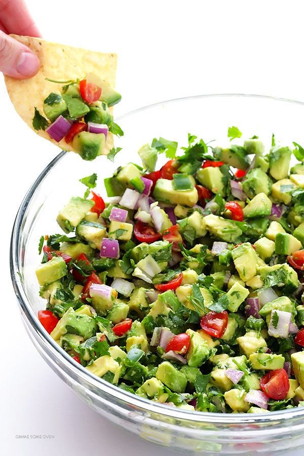 """<strong>Get the <a href=""""http://www.gimmesomeoven.com/chunky-guacamole-recipe/#_a5y_p=4958897"""" target=""""_blank"""">Chunky Guacamo"""
