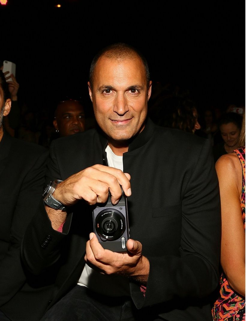 Nigel Barker depends on the Moto Z Force Droid Edition and Hasselblad True Zoom to take pictures at NYFW!