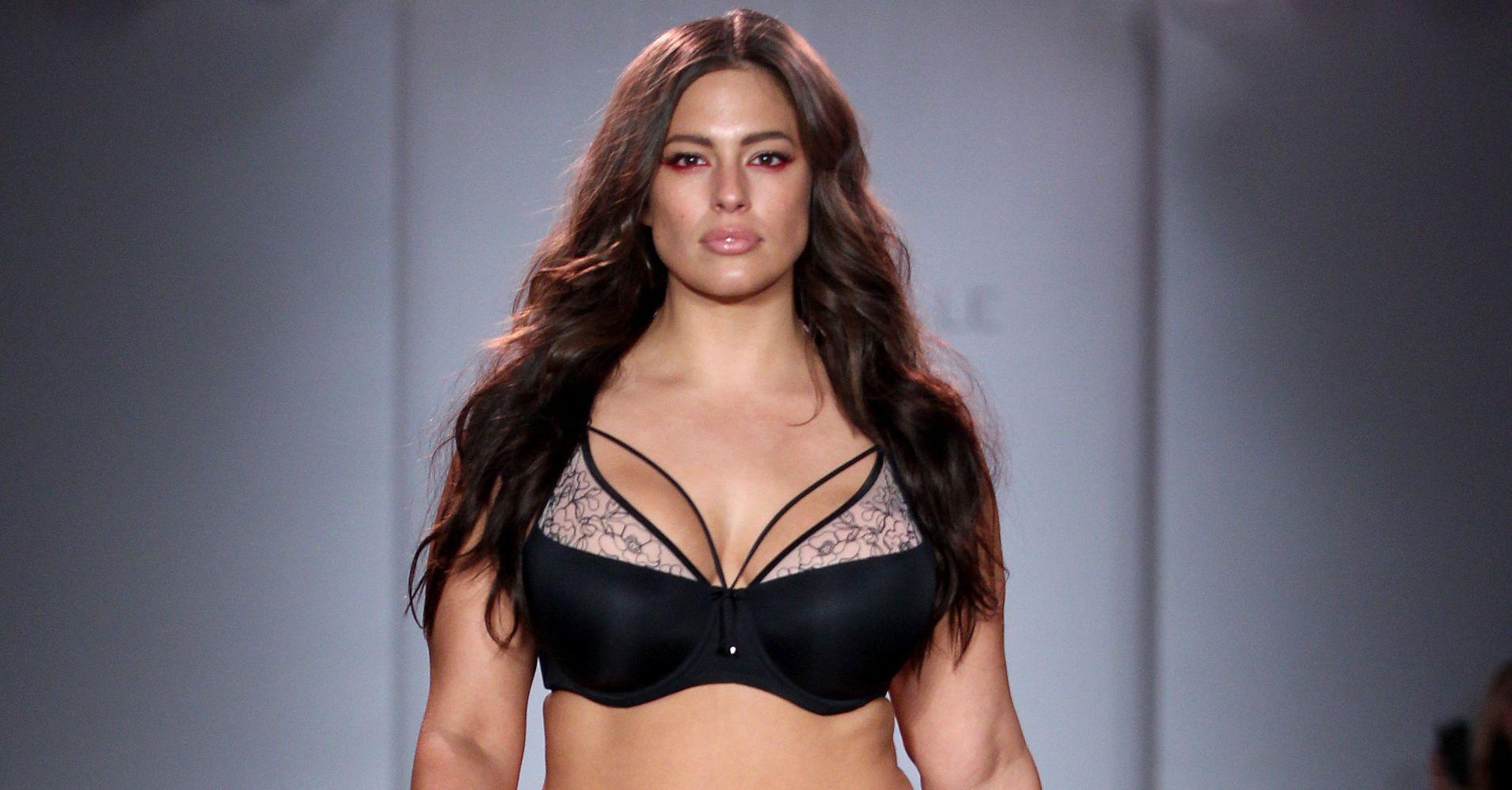 Australian bikini model on house hunters