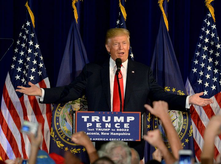 Donald Trump began his rallyThursday without reporters who pay to follow his campaign.