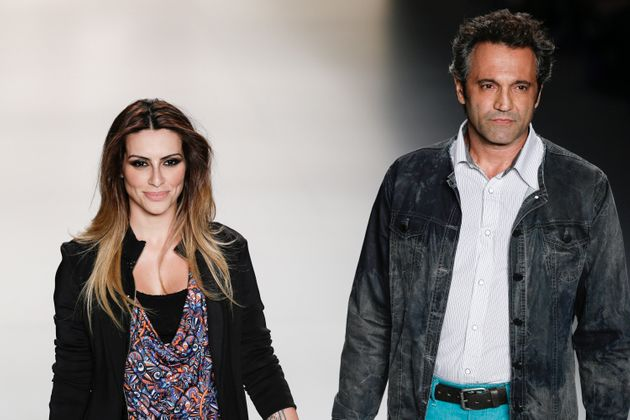 Domingos Montagner walks a catwalk withCléo Pires in