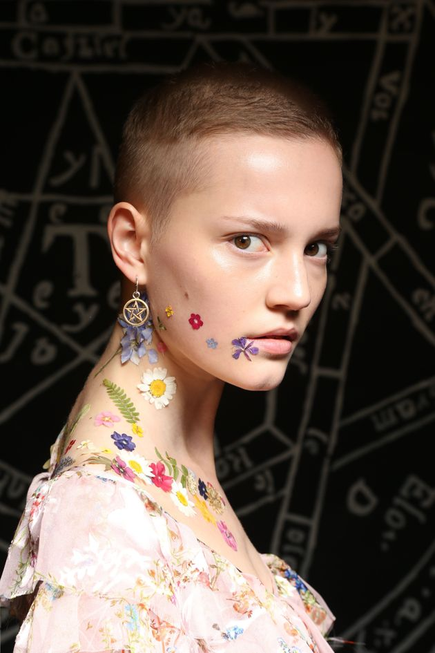 London Fashion Week 2016: Preen's Petal Lips Set To Be The Festival Beauty Trend Of