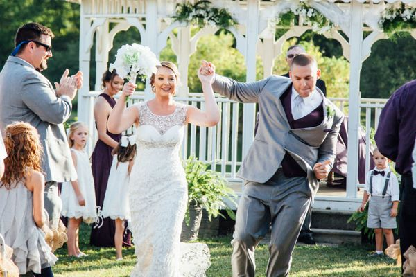 """""""Lauryn and Gage danced their way down the aisle on Saturday, September 17 at Twin Cedar Farm in Rockford, Tennessee!"""" &mdash"""